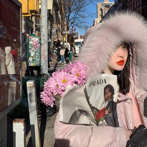 盧潔云CARIEDO 冬日里的滿天星 中長款粉色大毛領女氣質羽絨服.