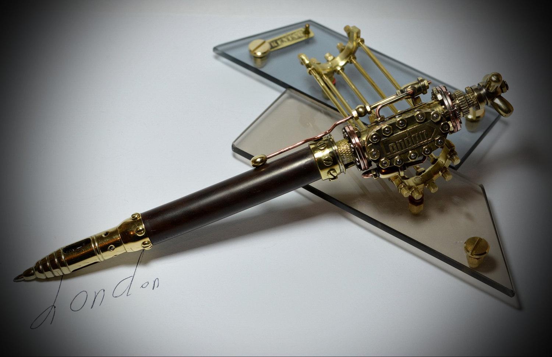 定制。以色列蒸汽朋克伦敦消火栓黄铜原木桌面笔摆件原创手工