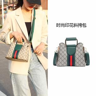 夏季水桶包2020新款潮ins时尚百搭斜挎包大容量印花手提包包女士图片