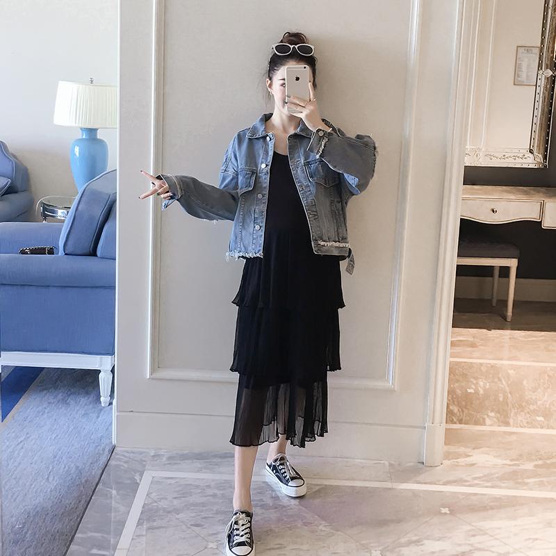 98.00元包邮孕妇装牛仔外套背带裙2019秋装新款