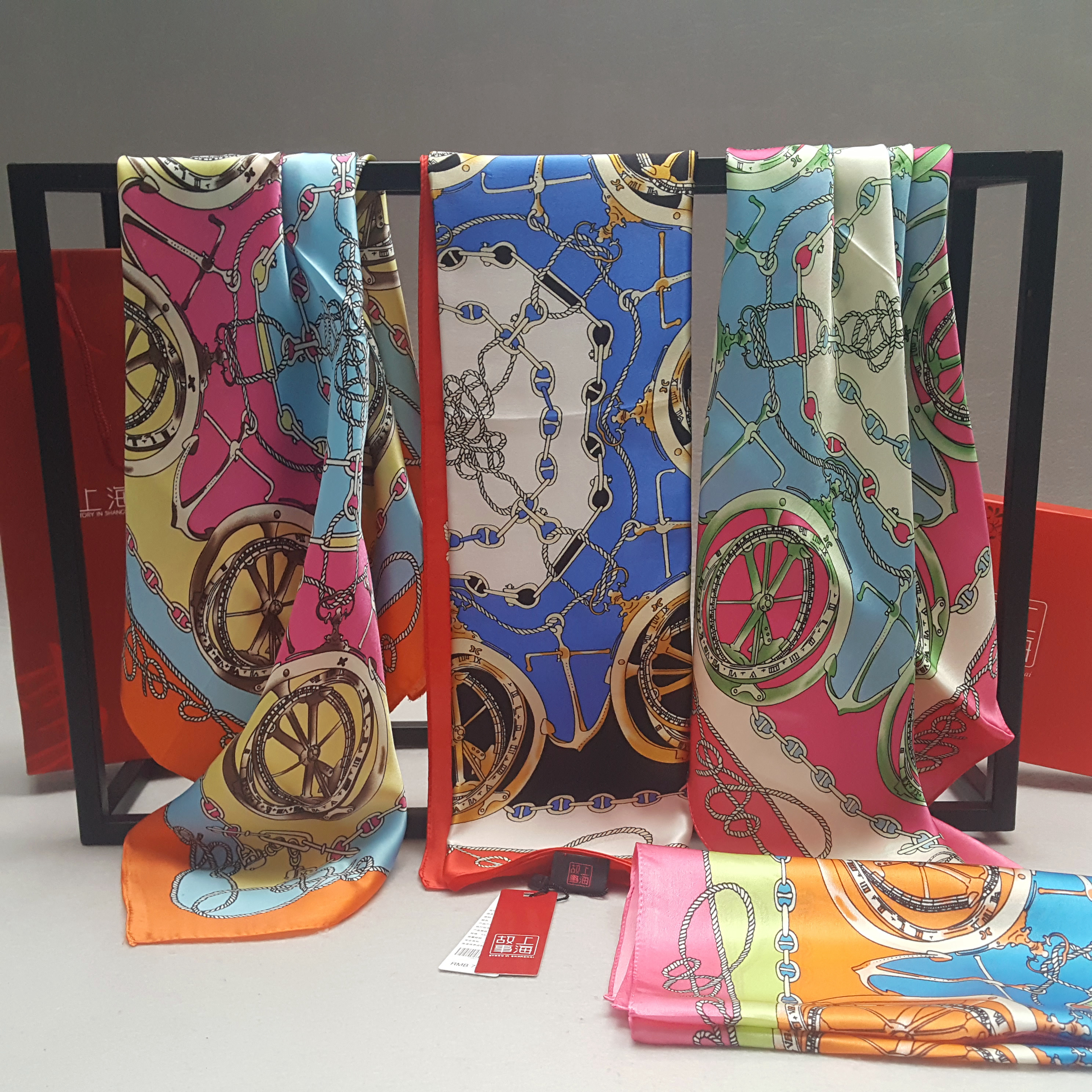 Two parcels of Shanghai stories silk real silk scarves small square scarves women spring and autumn occupation Hangzhou silk scarves rope ornaments