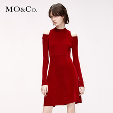 MOCO 2009 Winter New Round Neck Velvet Shoulder Dress MAI4DRS003 Moanke
