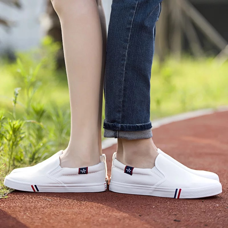 Spring new canvas shoes mens and womens Korean flat shoes small white shoes versatile and breathable students casual shoes