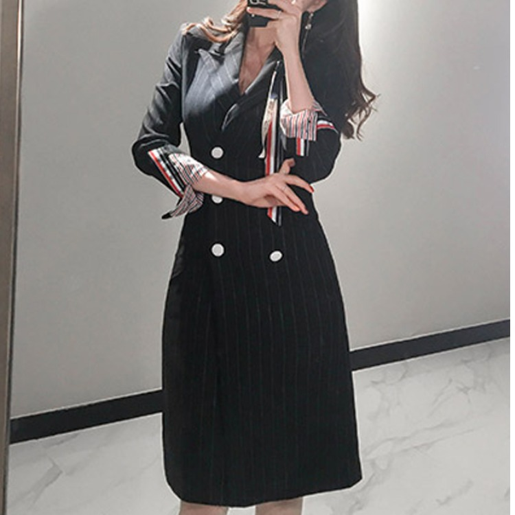 Womens 2020 new Korean celebrity temperament high-end medium and long striped double breasted slim suit coat
