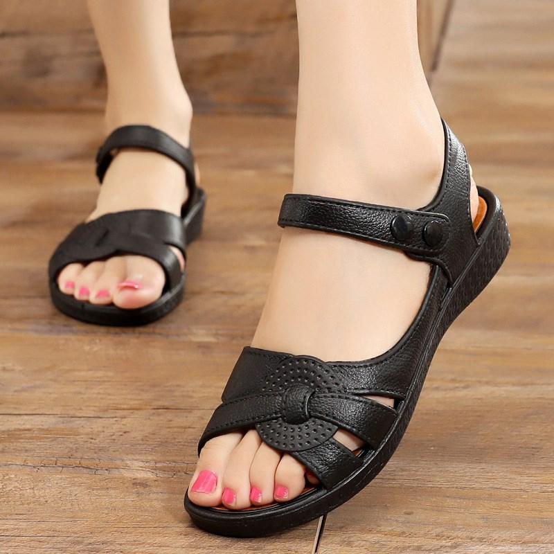 夏季新款塑料胶鞋平底防滑中年女士凉鞋女外穿中跟软底妈妈鞋耐穿