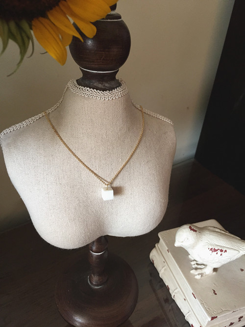 He designs jewelry * a cube sugar * natural white coral 18K gold necklace and clavicle chain
