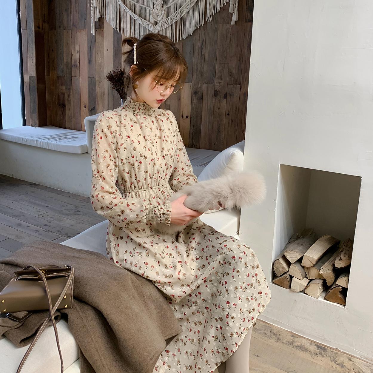 花栗鼠小姐 可以搭配N多外套的韩版气质印花雪纺收腰连衣裙