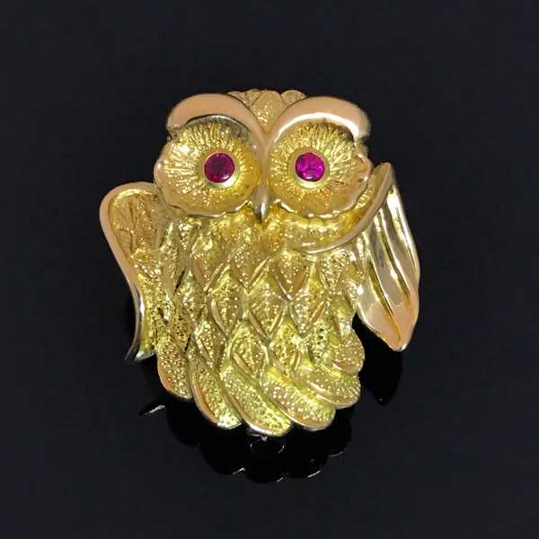 Super cute and cute money Owl Brooch Pendant dual-purpose, eyes are made of ruby look