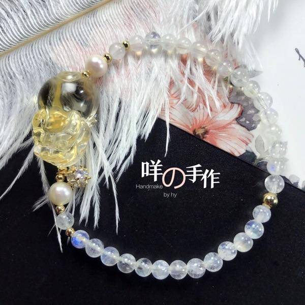 咩の手作天然巴西黄水晶貔貅雕刻玻璃体蓝月光石4MM珍珠手链招财