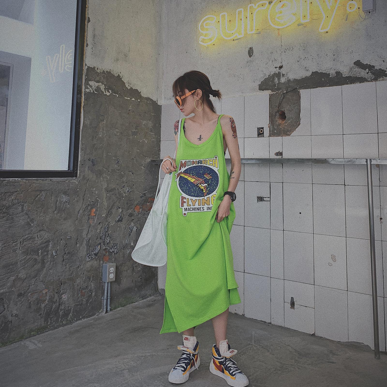 甜心家 搞怪涂鸦宽松显瘦吊带连衣裙长款无袖t恤裙女装街头风夏装