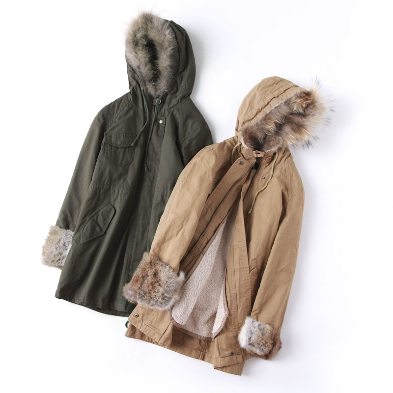 回馈工装风可脱卸羊羔绒女保暖棉衣