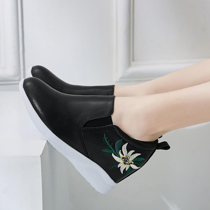 黑色内增高女鞋春秋季坡跟皮鞋休闲百搭真皮小白鞋女2019新款单鞋(用160元券)