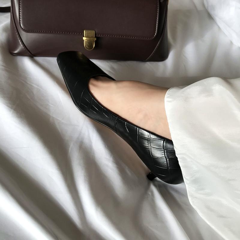 2020早春新款石头纹方头单鞋女小猫跟复古法式真皮包头浅口中跟鞋