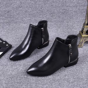 欧洲站2019秋冬新款尖头及踝靴真皮低跟双拉链马丁靴平底短靴女