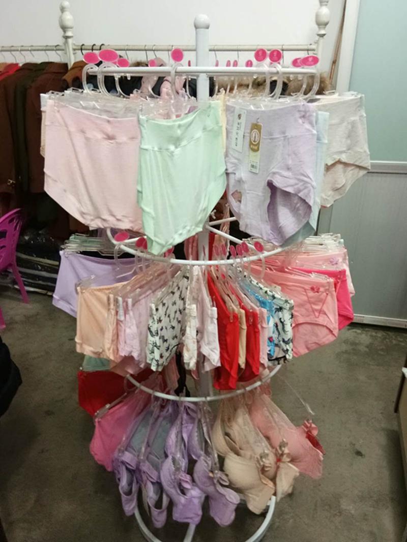 Магазин одежды Подвесной плащ Бюстгальтер для белья Подставка для напольного покрытия Напольный дисплей Шкаф для круглого спиннинга Накадзима