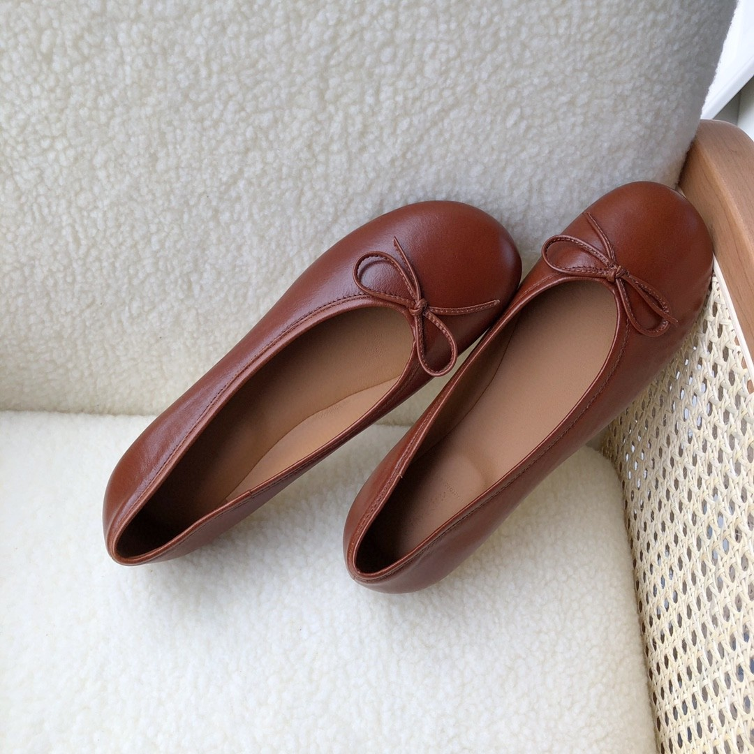 Summer retro ballet shoes are comfortable and soft, all leather versatile womens shoes, Fu nvle overshoes and flat soles