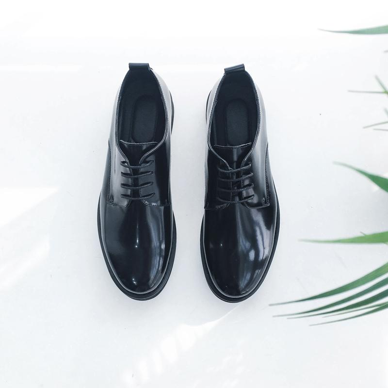 高品质潮流男士漆皮亮面流行皮鞋四季青少年百搭系带低帮休闲鞋子