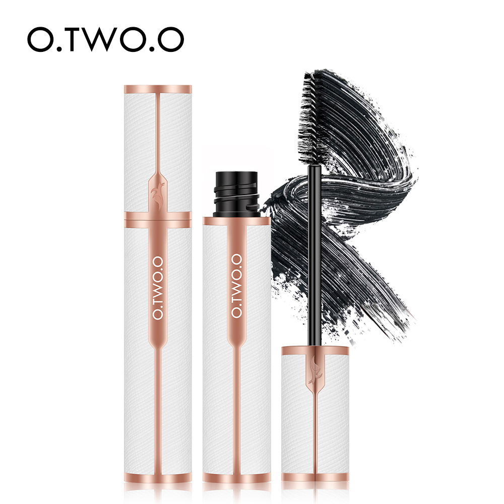 O.TWO.O golden silk satin Mascara grows thickly, long and waterproof, and does not dye two Mascara heads.