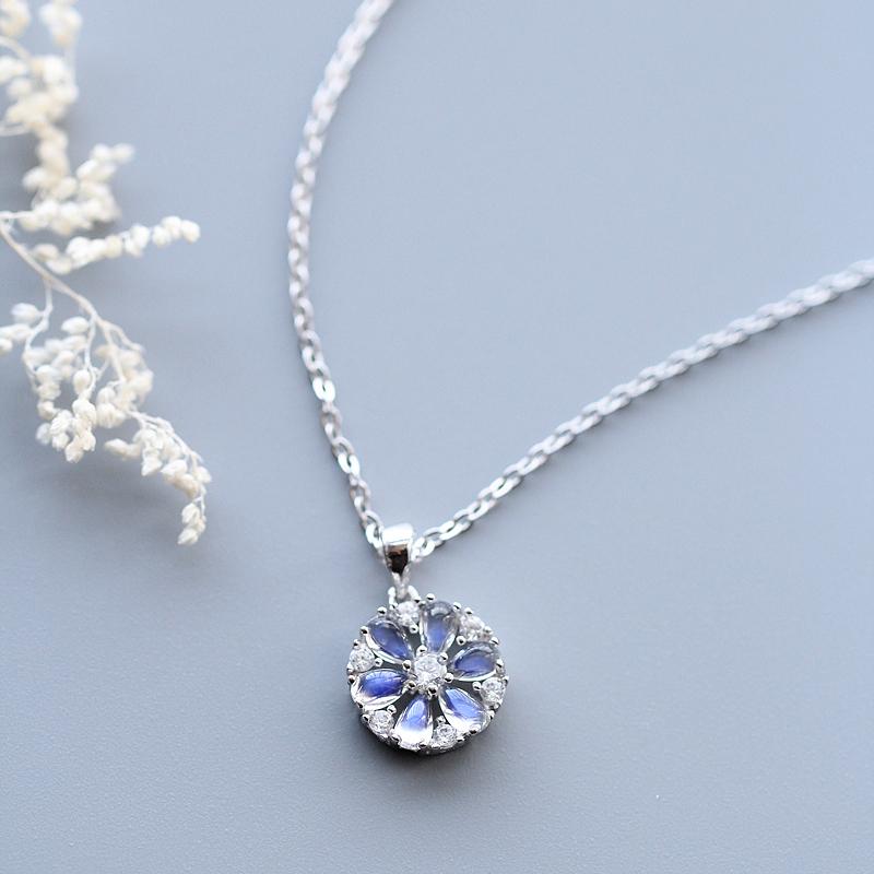 天然水晶冰种月光石吊坠 s925纯银项链女甜美锁骨链森系生日饰品