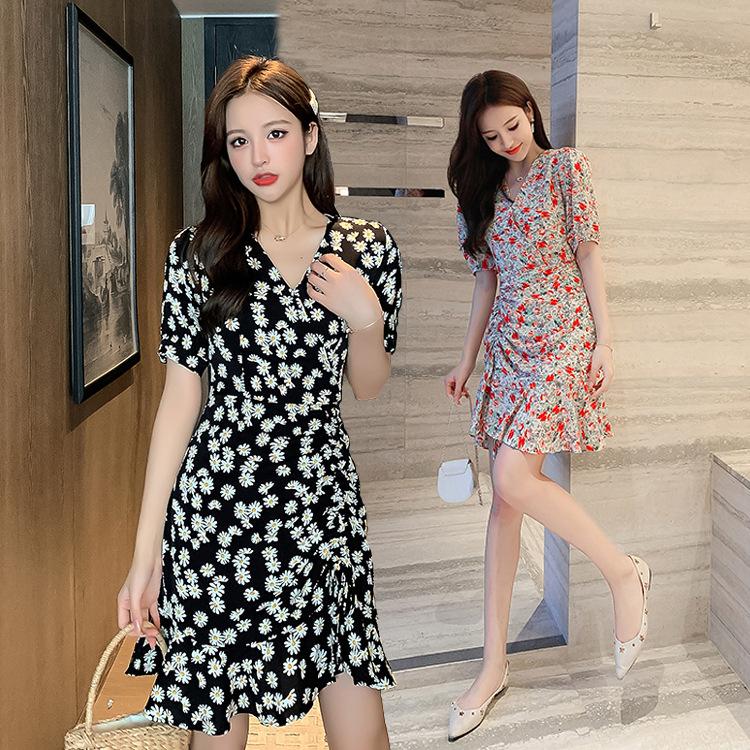 夏季时尚小雏菊连衣裙2020新品韩版抽绳收腰碎花潮流女装