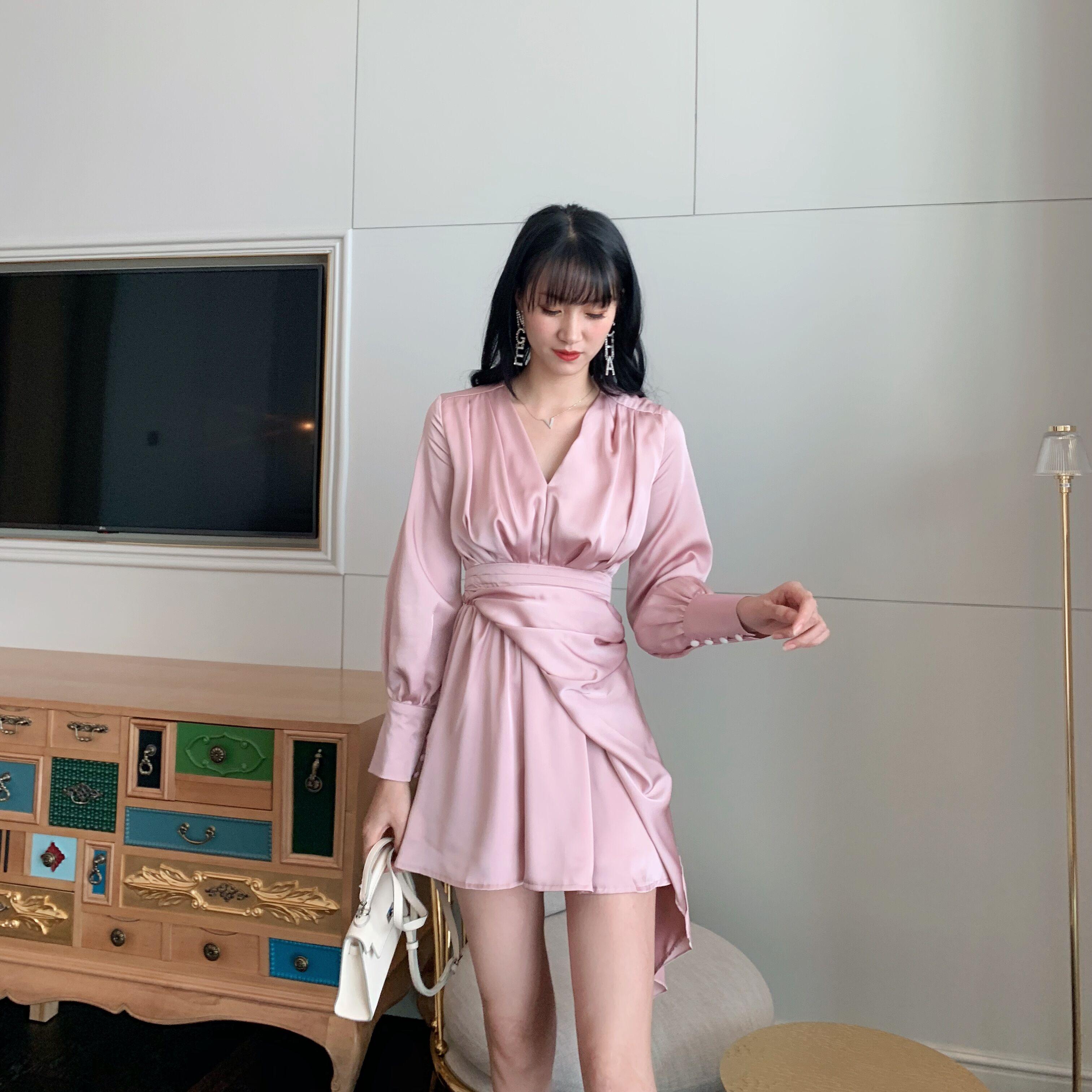 光泽感man分 cliiin西林家法式设计款收腰缎面系带连衣裙19秋新品(用1元券)