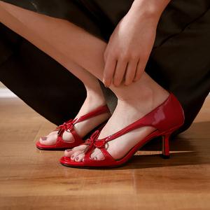 细跟2021夏季新款高跟复古漆皮凉鞋