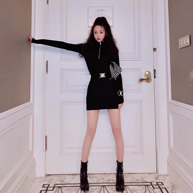 秋装2019年新款女黑色网红显瘦韩版气质性感长袖针织秋季连衣裙