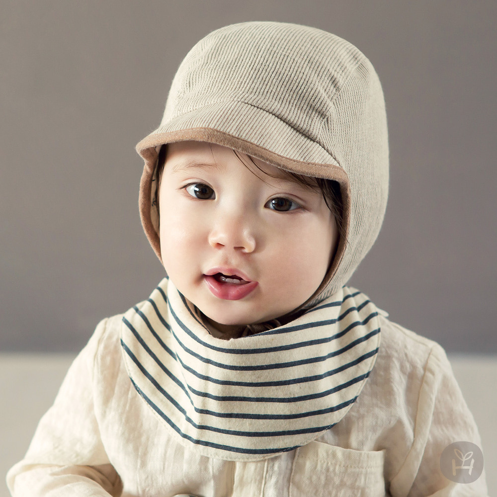 Baby triangle towel imported from Korea, baby Fashion Scarf bib on both sides, double-sided Bib triangle towel