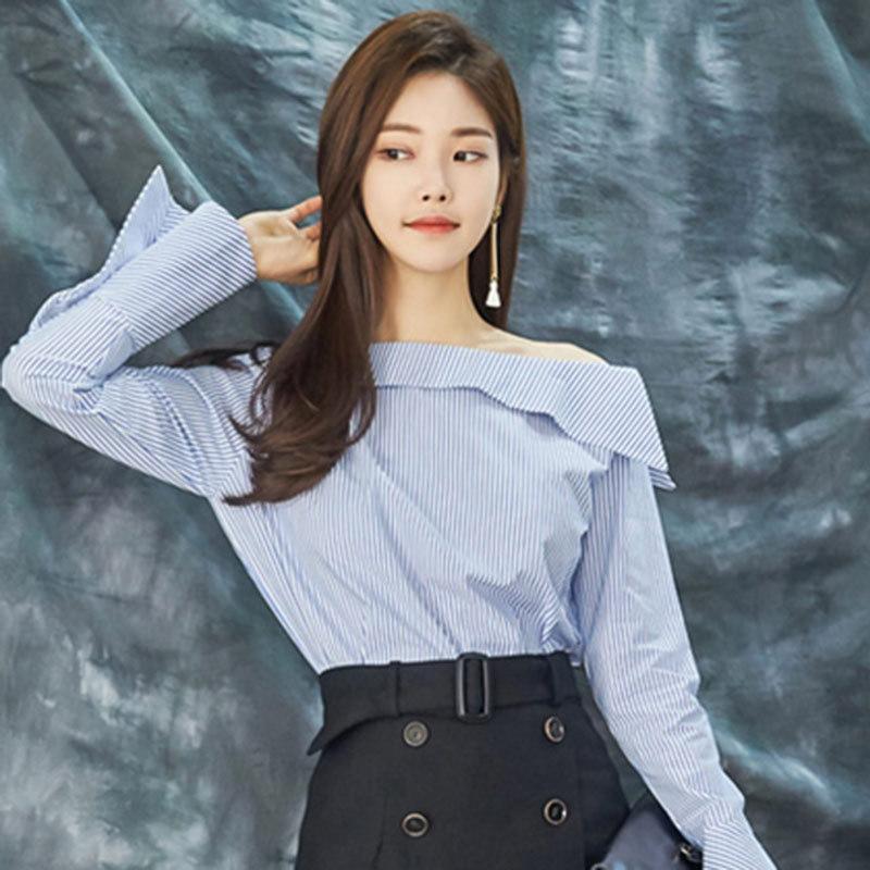 细节实拍 2018春韩国名媛气质显瘦条纹一字领斜肩上衣喇叭袖衬衫