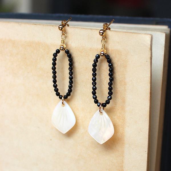 【石头的日记】原创手作 天然切面黑尖晶 贝壳花瓣 14K包金 耳环