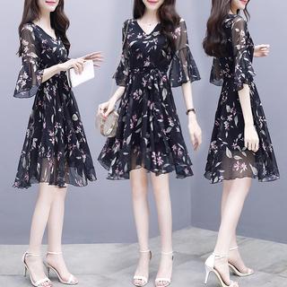 连衣裙夏季新款女装2020复古修身显瘦气质时尚中长碎花雪纺裙子仙