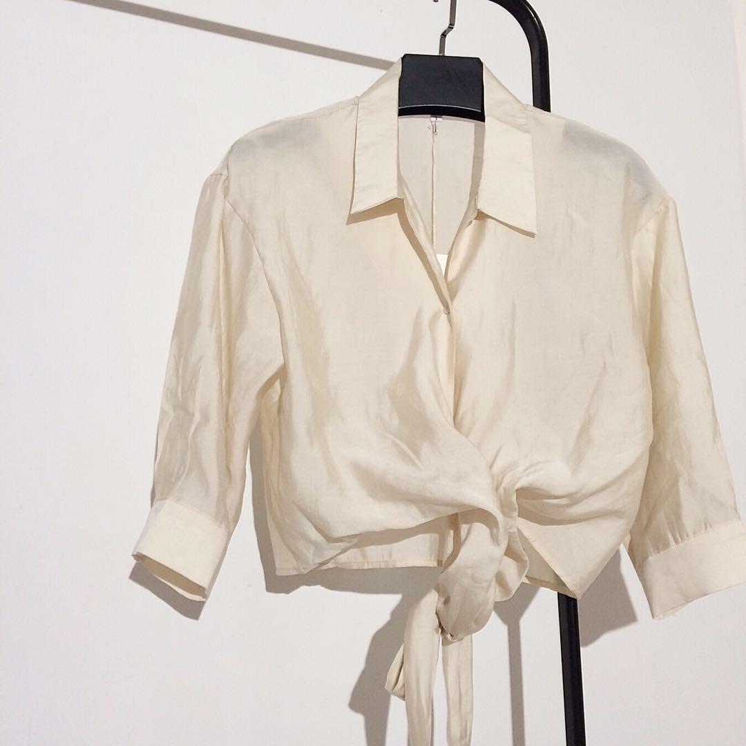 2018夏季新品时尚气质名媛个性腰部绑带纯色短款衬衫百搭多种穿法