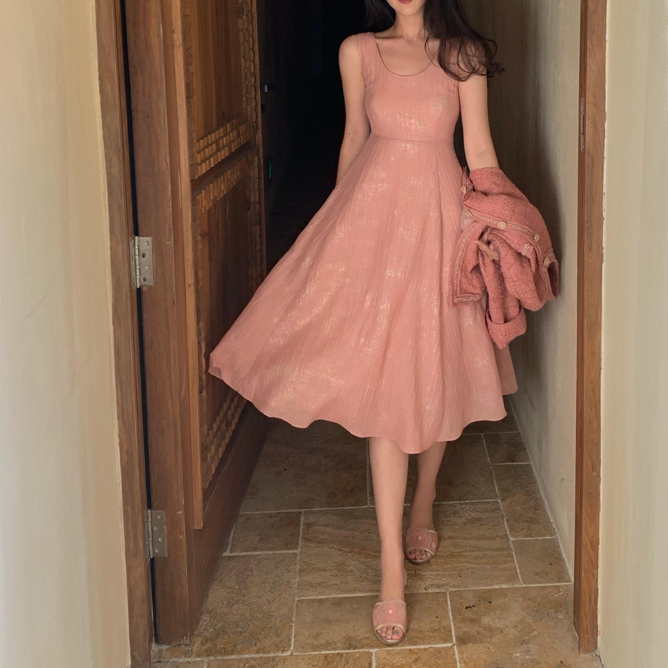 流光溢彩麻料连衣裙 两色限3000张券