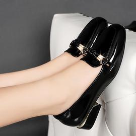 百丽纯爱真皮浅口女单鞋时尚方头低跟粗跟大码漆皮女鞋皮鞋41码42
