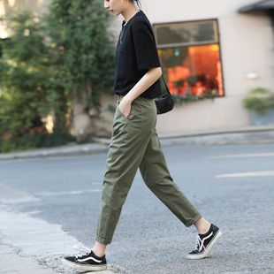 軍綠色褲子女2020新款秋季休閒加絨工裝褲女秋冬女褲九分哈倫寬鬆