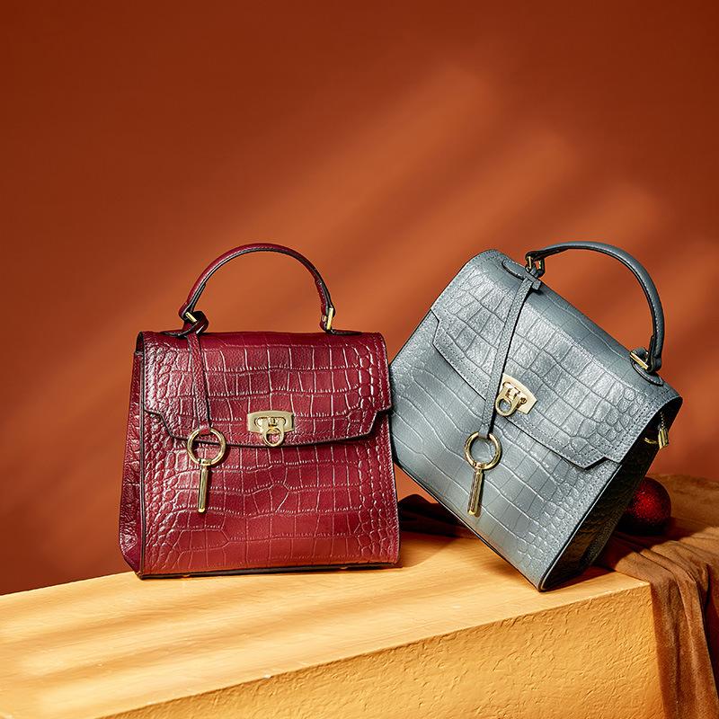 Womens bag 2020 new fashion one shoulder messenger bag womens Kelly fashion head leather bag womens handbag
