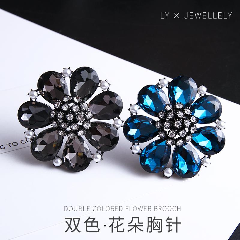 2019 new Korean style fashion professional high grade Brooch female retro flower accessories anti light pin