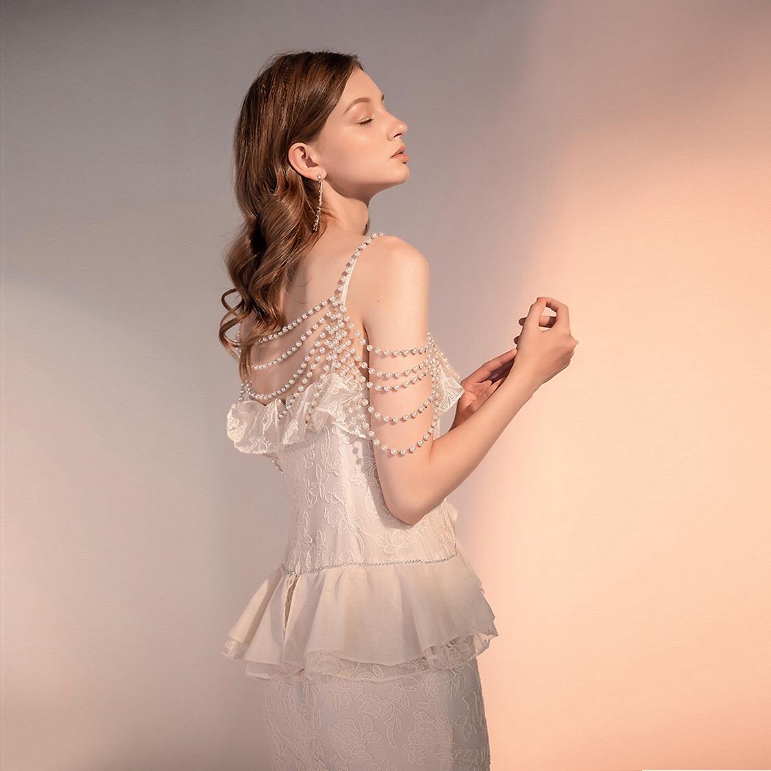 2020珍珠挂肩链礼服亮片一字肩露肩名媛气质性感短裙连衣裙5