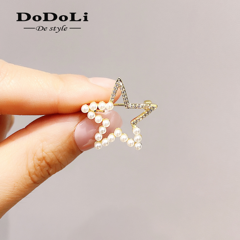 Brooch cute Korean accessories inschao net red personality Pearl Star Brooch womens anti light button pin accessories