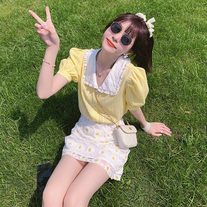 法式甜美娃娃领黄色衬衫少女感夏季薄款泡泡袖上衣2020年新款衬衣