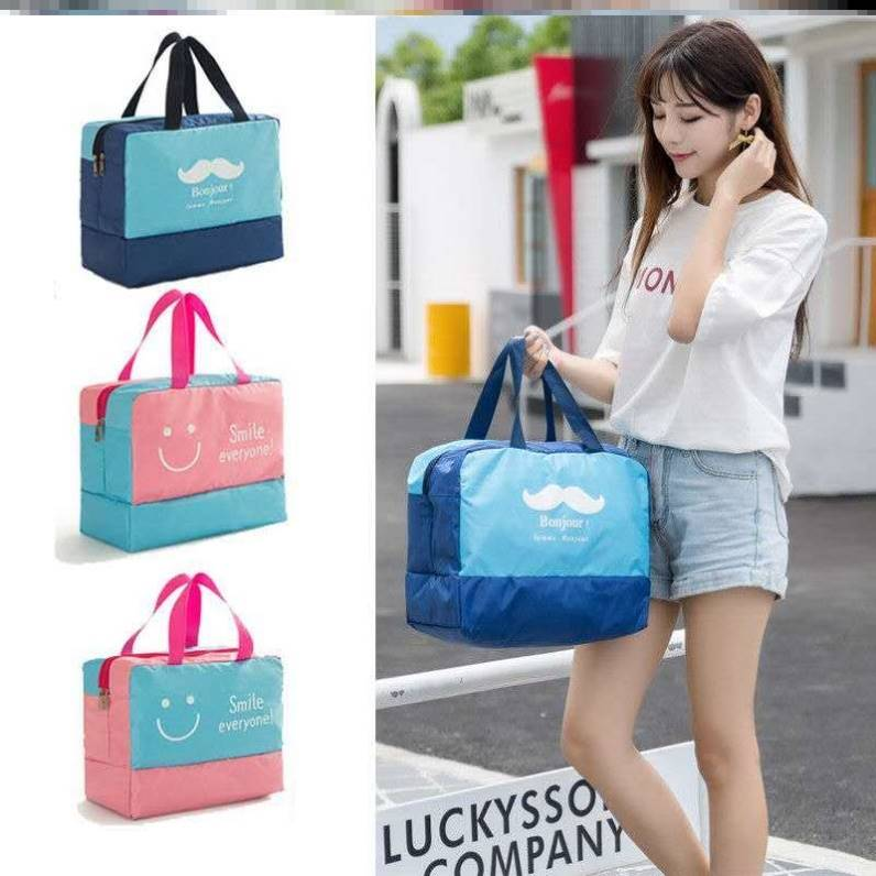 Air first class daily necessities Washbag must be an artifact. Washbag is convenient for travel