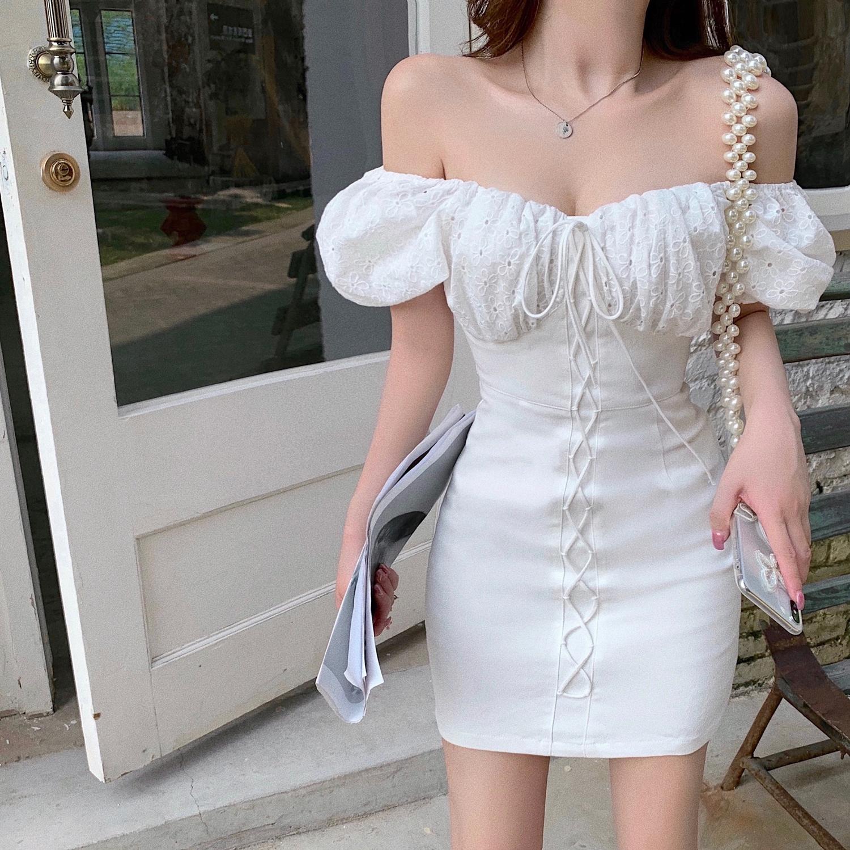 Q女家 法式小白裙一字肩性感泡泡袖白色露肩连衣裙2020新款夏裙子