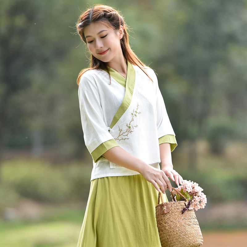 Costumes can be worn daily in Chinese clothes, Chinese style suits, ancient style tea men's clothes, Tang suits, ladies' zen clothes
