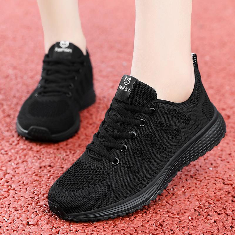 2021春春春ネットの顔は空気を通して回力の女性の靴の百足の軽便な運動靴の学生のランニングのカジュアルなキャンバスの靴の韓版に帰ります。