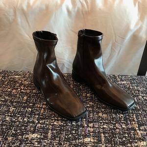 Boccalook鞋店 侧拉链时髦褶皱个性短靴女秋冬方头气质百搭及踝靴