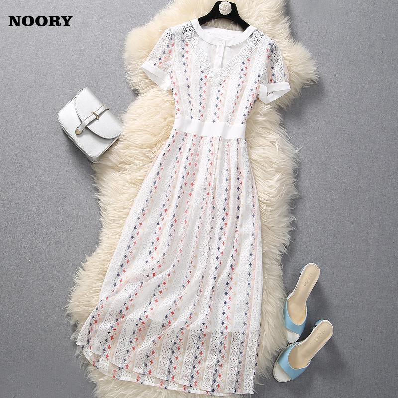 白色裙子蕾丝短袖收腰显瘦气质轻熟减龄洋气法式夏季新款连衣裙女