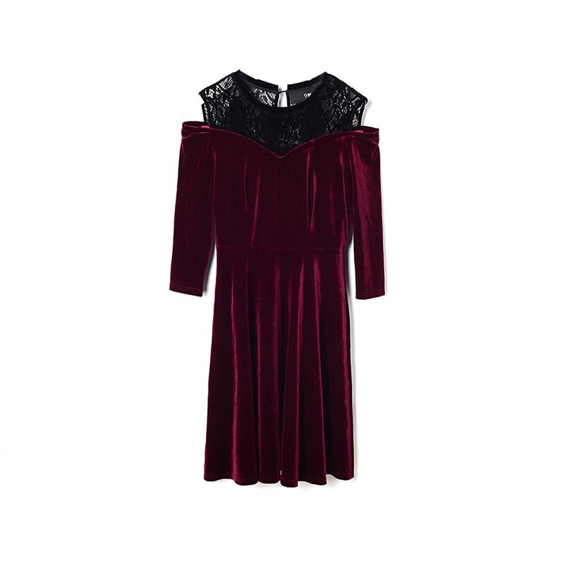 高端YU0A0044修身显瘦露肩蕾丝拼接灯芯绒百褶撤柜女装秋装