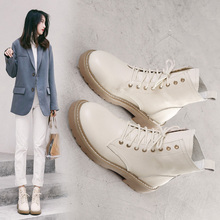 Fall and Winter 2018 New Korean version leather strap Martin boots, low heel boots, lace-up academy style boots