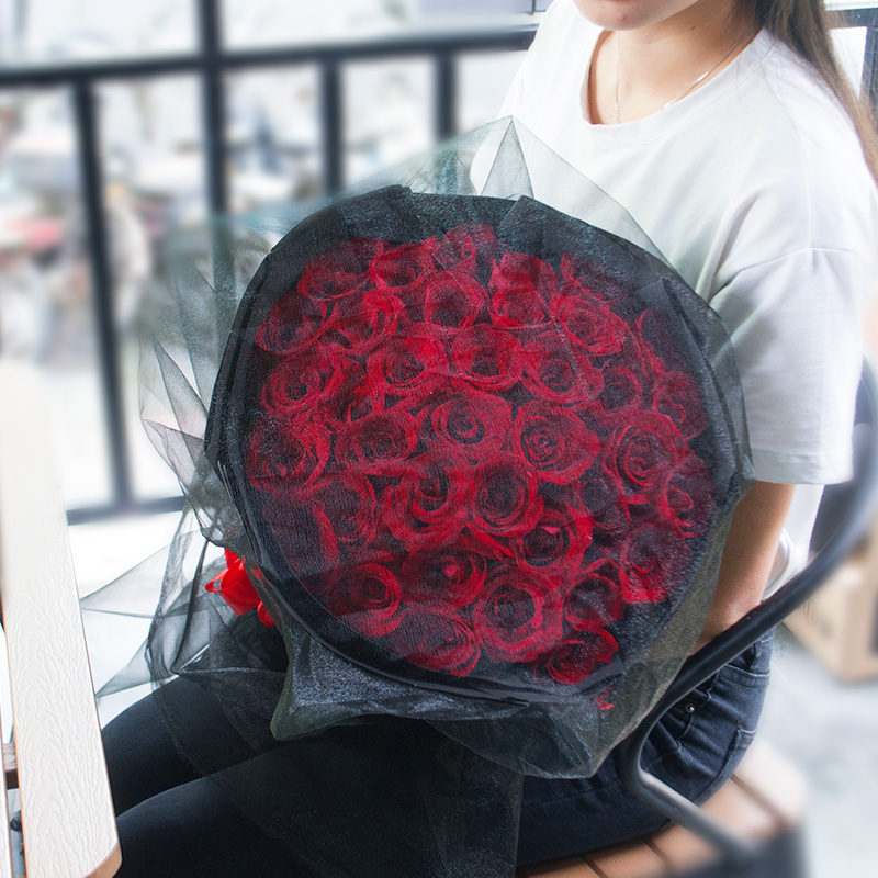 Luoyang flower speed same city red champagne rose bundle gift box