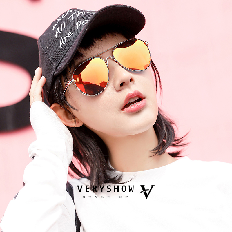 2020 new Sunglasses Womens big face and slim fashion street photo anti ultraviolet sunglasses for men and women